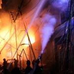 Крупный пожар в историческом центре Дакки. 70 погибших