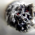 Заядлые курильщики рискуют остаться без цветового зрения