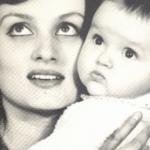 Оля Полякова в День матери растрогала сеть архивными фото