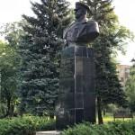 В Харькове вернули на место памятник маршалу Жукову