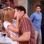 12 поцелуев из культового сериала «Друзья»