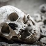 Женщина внезапно обнаружила в своей квартире скелет