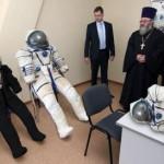 РПЦ рассматривает новый проект космического храма со священником