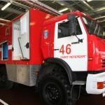 Очевидцы: На севере Петербурга стянулись пожарные — горит бизнес-центр