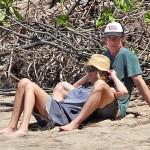 Джулию Робертс внезапно нашли на одиноком гавайском острове (фото)