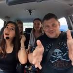 В Украине появилось такси, прокатиться в котором можно не за деньги, а за песню