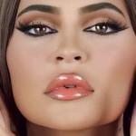 Кайли Дженнер прослыла «арабской тетушкой» из-за нелепого внешнего вида в рекламе