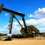 Нефть прибавляет в цене, Brent стремится к $64 за баррель
